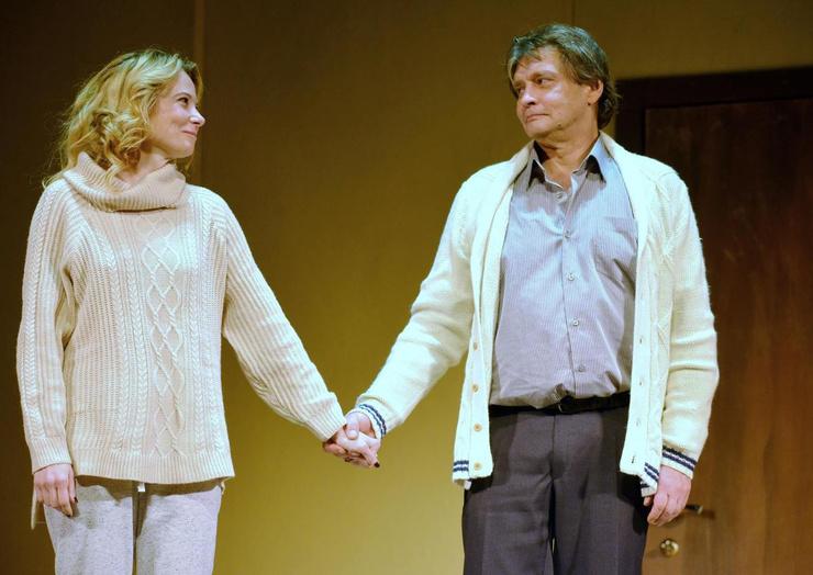 Александр Домогаров и Юлия Высоцкая в постановке «Сцены из супружеской жизни»