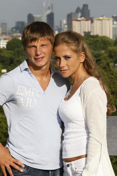 Теперь футболист сможет выплачивать алименты детям от Юлии Барановской