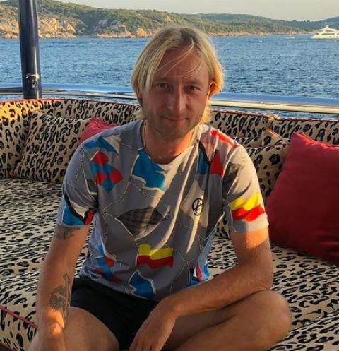 Евгений Плющенко вышел на первую тренировку после операции
