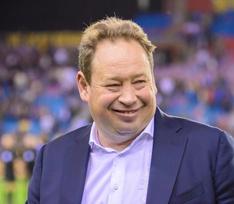 Леонид Слуцкий может заменить Станислава Черчесова после провала нашей сборной на Евро-2020