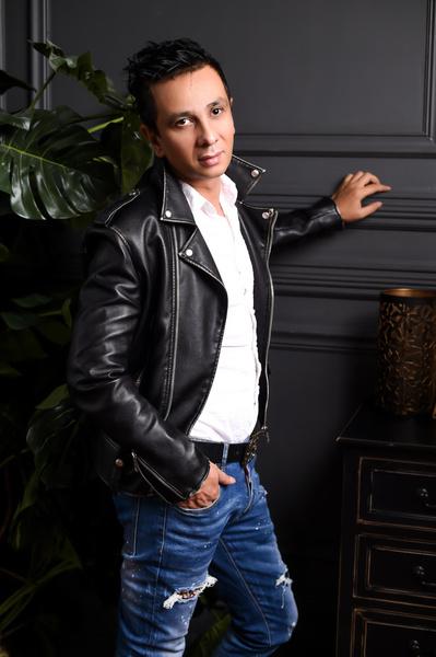Наз Маер, модельер, дизайнер вечерних платьев