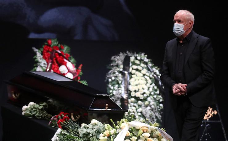 Сергей Гармаш у гроба Хлевинского