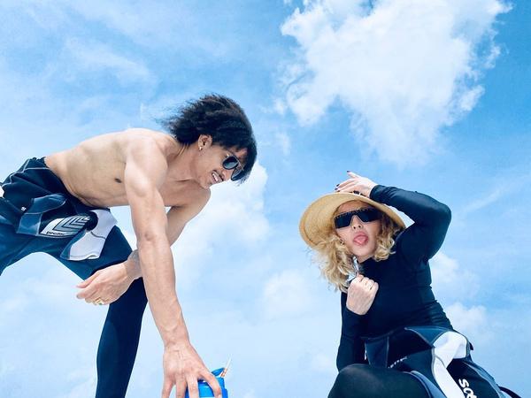 Бойфренд Мадонны профессионально занимается танцами