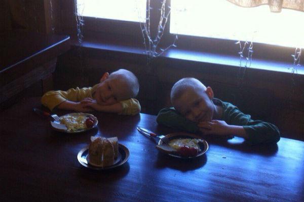 Самому младшему Феде  – 4 года, и они с 6-летним  братом Анатолием очень  похожи