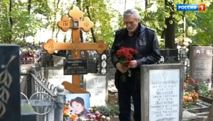 Артист отдал дань памяти своей партнерше по фильму «Любовь и голуби»