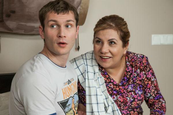 Актриса прославилась благодаря роли мамы главного героя в сериале «Реальные пацаны»