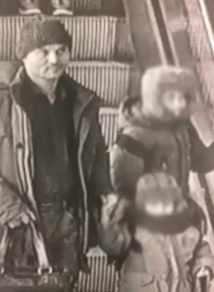 Гаврилов хладнокровно оставил детей в аэропорту одних