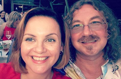 Игорь Николаев и Юлия Проскурякова слились в страстном поцелуе