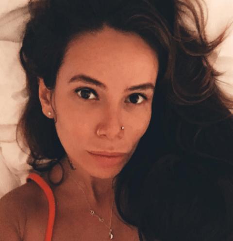Айза Долматова переживает, что набрала много килограммов