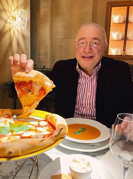 Экс-супруга Евгения Вагановича учла каждую пиццу