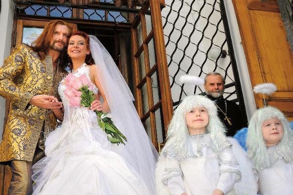 Анисина и Джигурда поженились 9 лет назад. Церемония состоялась в Дурасовском дворце в Москве