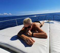 Осторожно, горячо! Диана Арбенина обнажилась на яхте в Сочи