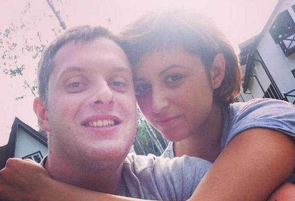 На проекте Арсений пытался строить любовь с Анной Беляковой
