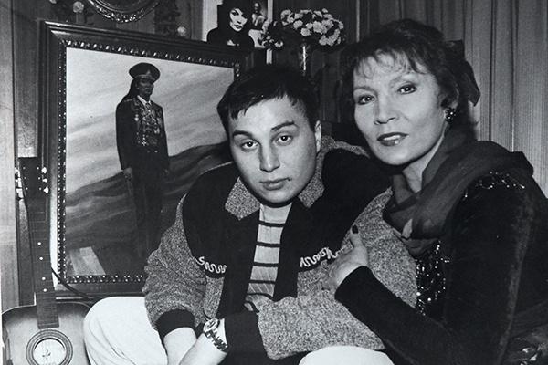 Джуна с сыном Вахтангом