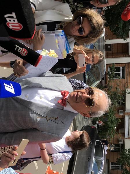 Добровинский после суда вышел к журналистам