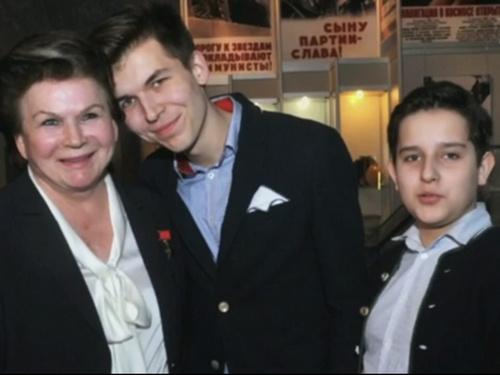 Валентин Терешкова с любимыми внуками