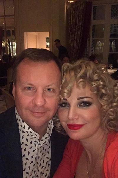 Сама Мария неоднократно рассказывала, что она до сих пор любит Дениса Вороненкова