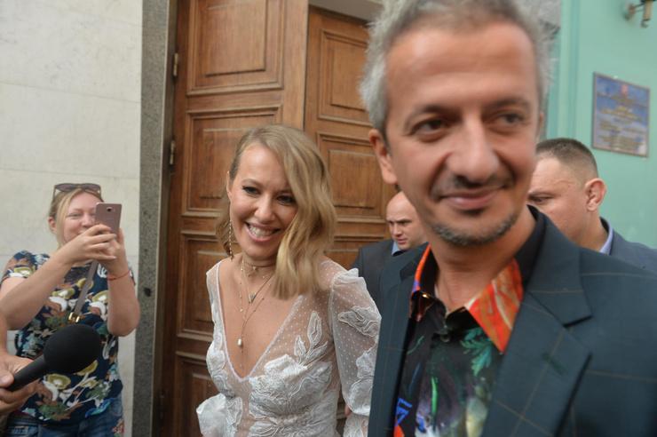 Новости: Ксения Собчак и Константин Богомолов поженились. ФОТО – фото №7