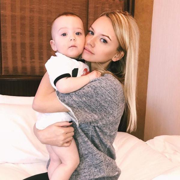 Милана вместе с сыном