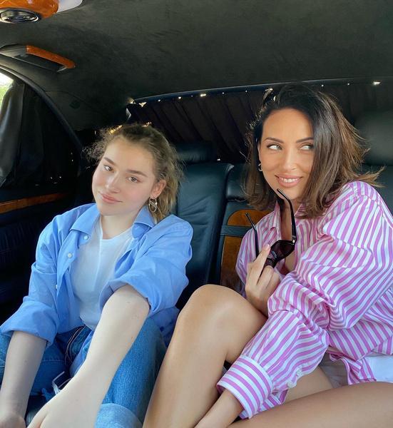 Алсу с дочерью Микеллой Абрамовой