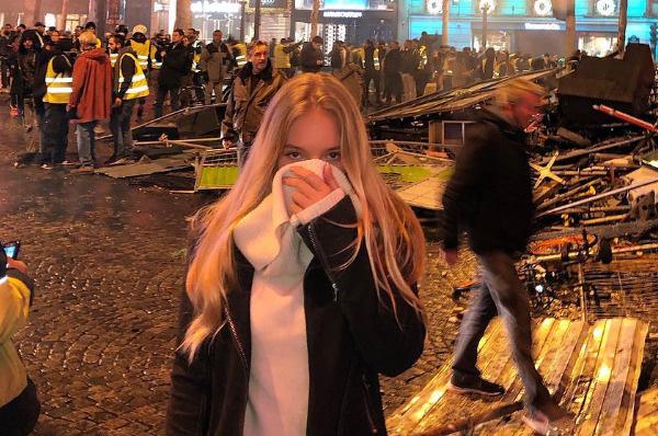 Лиза Пескова оказалась в эпицентре политических волнений в Париже