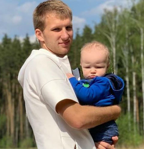 Болельщики собрали 10 миллионов на квартиру для вдовы игрока «Локомотива»