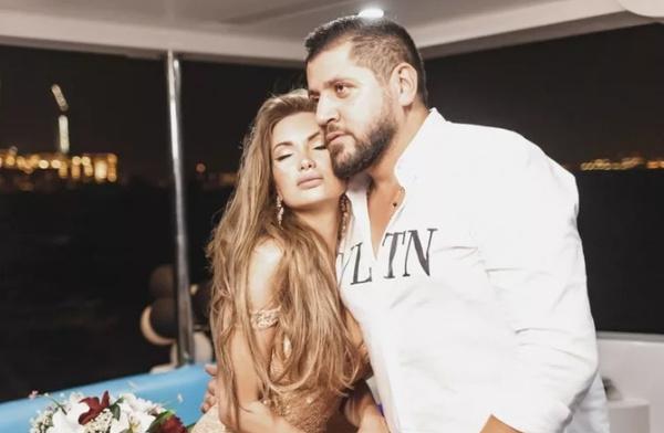 В прошлом году Евгения отметила день рождения с Маджидом.