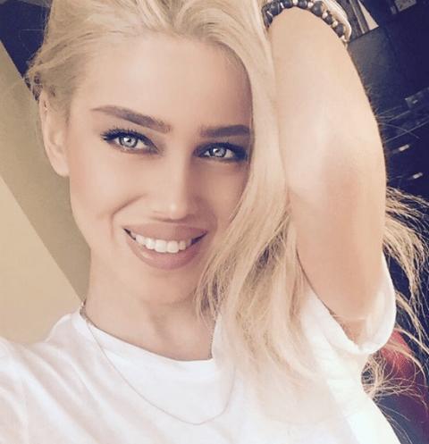 Девушка Федора Смолова Миранда Шелия стала блондинкой