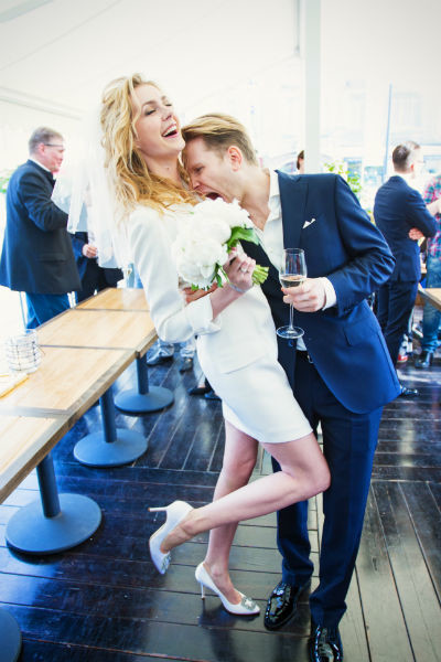 Певица вышла замуж семь лет назад