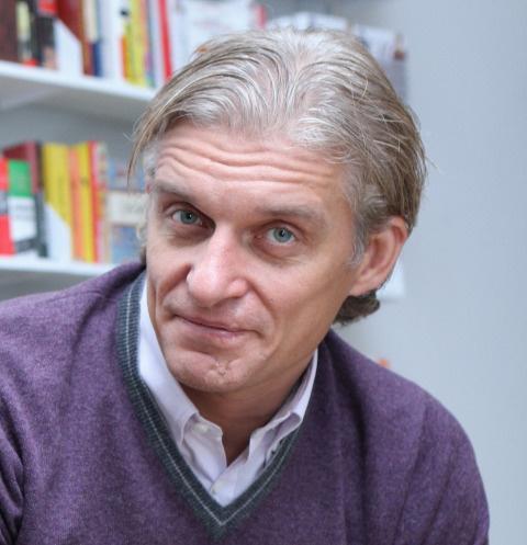 Коллеги больного раком Олега Тинькова побрились в его поддержку — фото