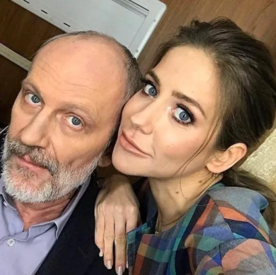Гордона и Юлию связывают исключительно работа и дружба
