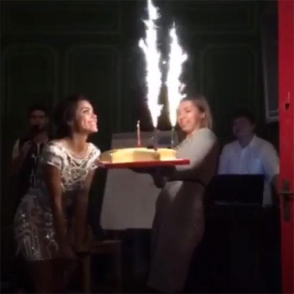 Галина Ржаксенская радовалась праздничному торту как ребенок