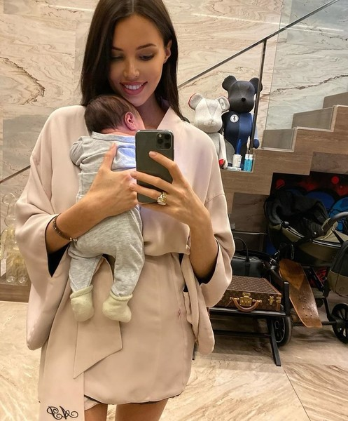Анастасия вернулась к работе уже через месяц после рождения сына