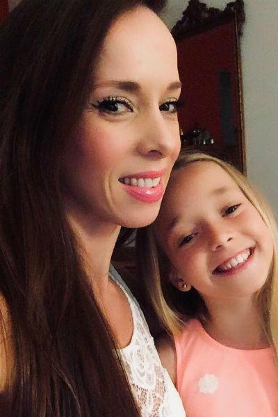 Виктория с дочерью Евой