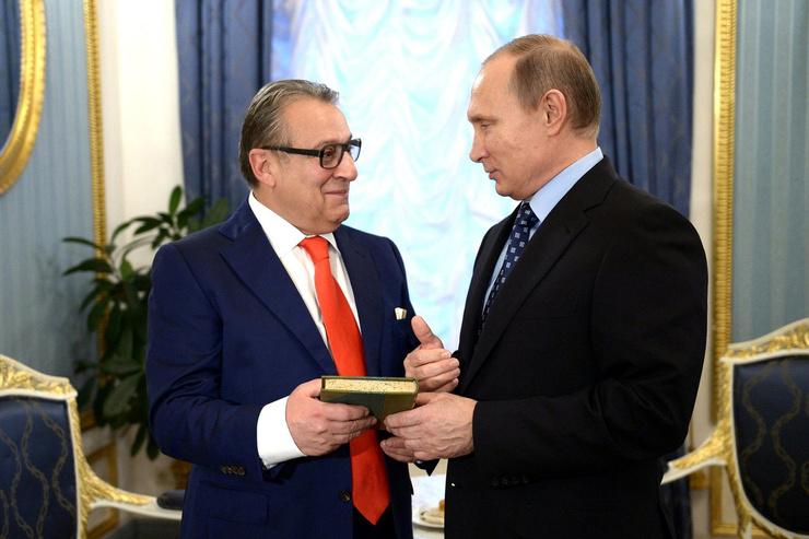 Заслуги Хазанова в творчестве оценил Владимир Путин