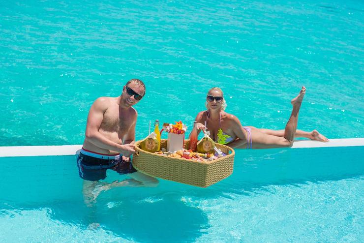 Пара дважды успела отдохнуть на райских островах