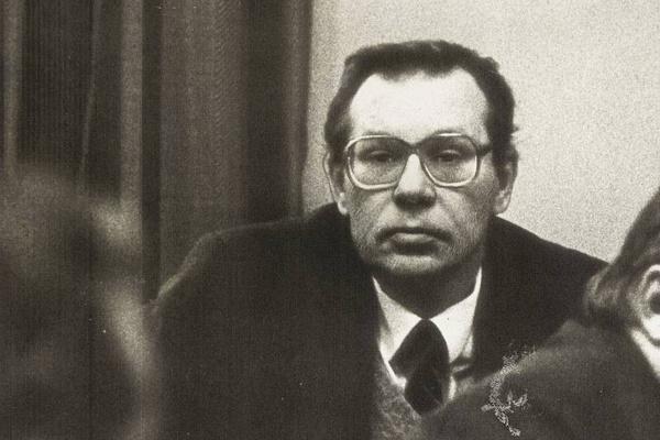 Валерий Легасов возглавил комиссию по расследованию причин и ликвидации последствий катастрофы на АЭС