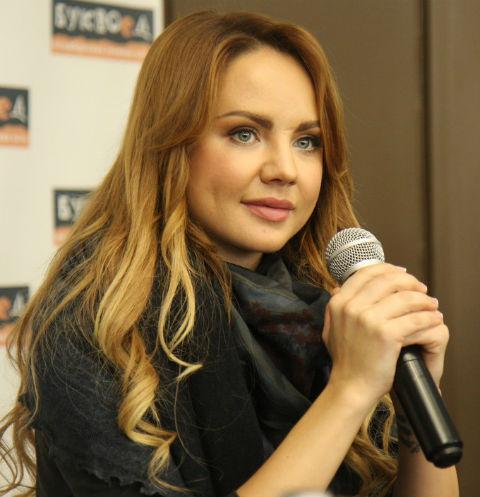 Певица МакSим представила свою книгу в Петербурге