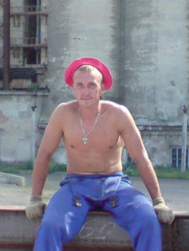 ...Стас Михайлов из Вязьмы лишь иногда бывает в караоке