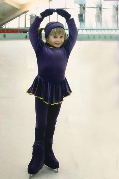 С четырех лет Липницкая начала заниматься фигурным катанием