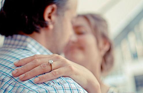 Уж замуж невтерпеж: как звездные невесты принимают предложение руки и сердца