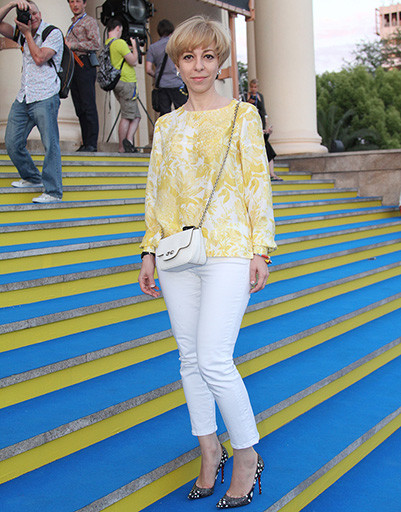 Марианна Максимовская позировала на ковровой дорожке