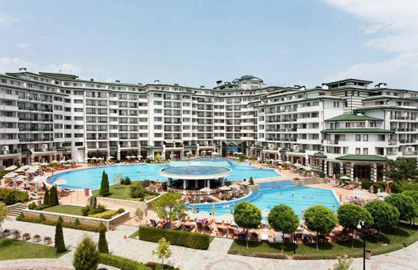 В этом комплексе расположены апартаменты Киркорова, где сейчас живет Платон
