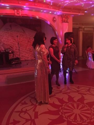 Сестры Клары КУзденбаевой поздравили родственницу