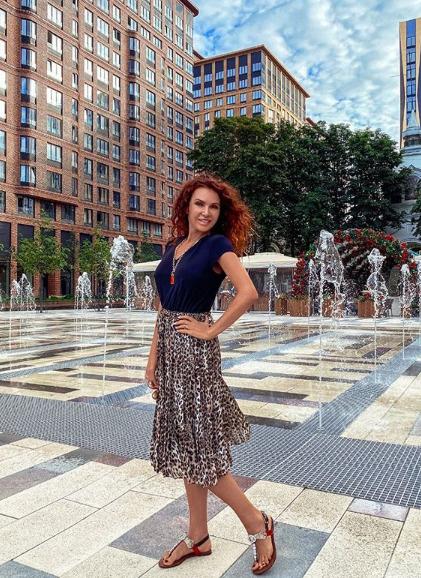Эвелина Бледанс купила квартиру в центре Москвы