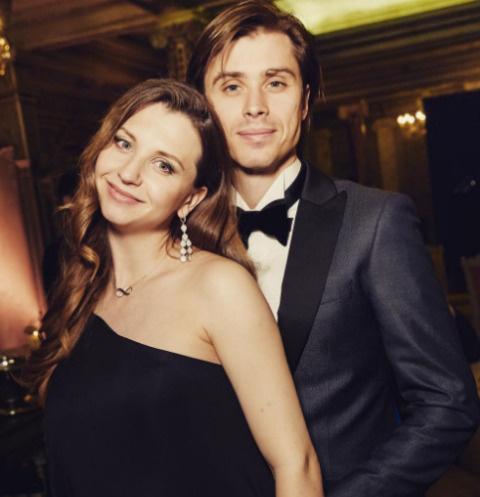 Артем Овчаренко и Анна Тихомирова
