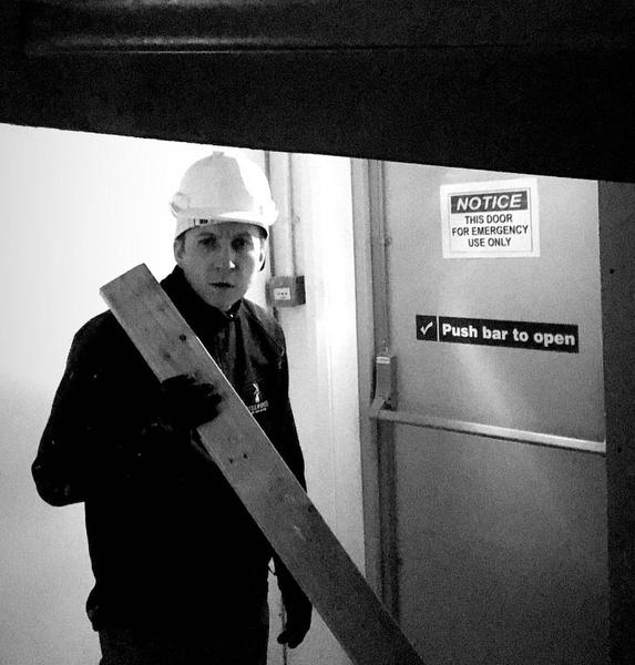 «Так часто я никогда не думал о самоубийстве»: Борис Левин из «Интернов» питается просроченными продуктами