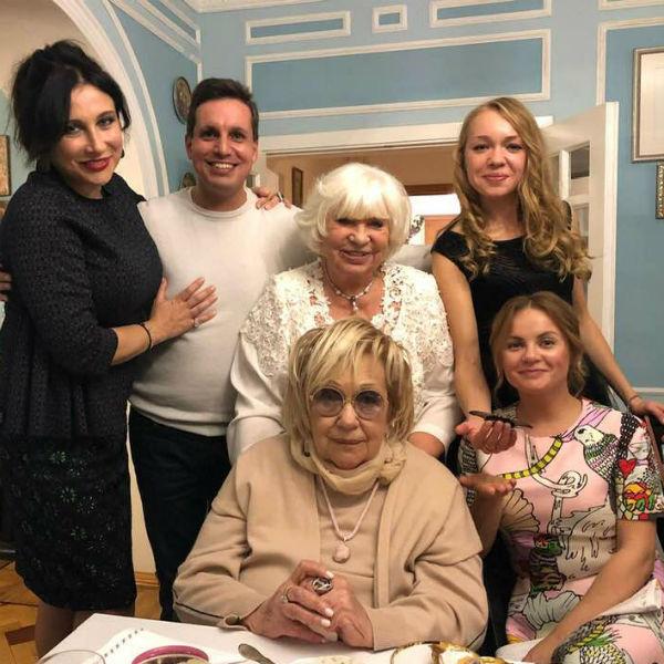 Гости вместе с Алиной Редель
