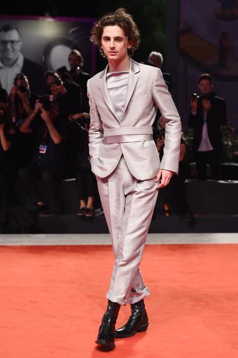 Тимоти выбрал костюм от Dior