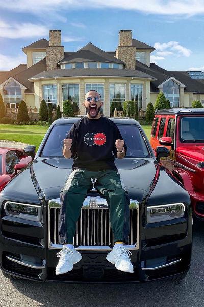 Блогер очень гордился своим автомобилем